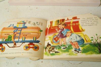 画像4: ☆SAMUEL LOWE ビンテージ ホイールトイブック☆Puff and Toot Train Wheel Book
