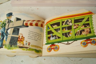 画像5: ☆SAMUEL LOWE ビンテージ ホイールトイブック☆Puff and Toot Train Wheel Book